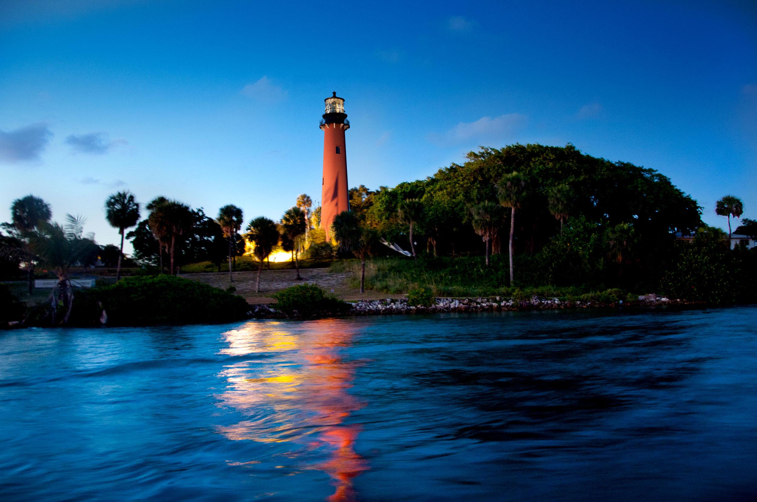 lighthouse-1-large_2500_01